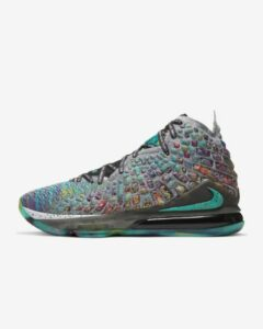 Best Basketball Shoes for Wide Feet: LeBron 17