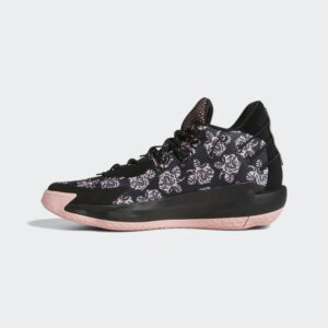 Best Outdoor Basketball Shoes 2020: Dame 7